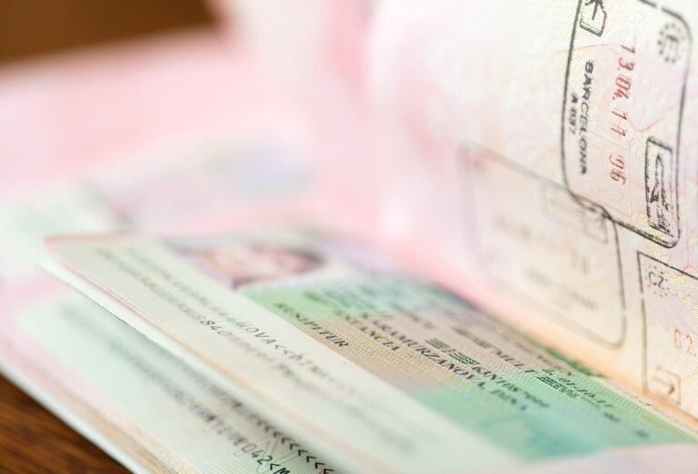 Visas and residence permits in Spain for investors
