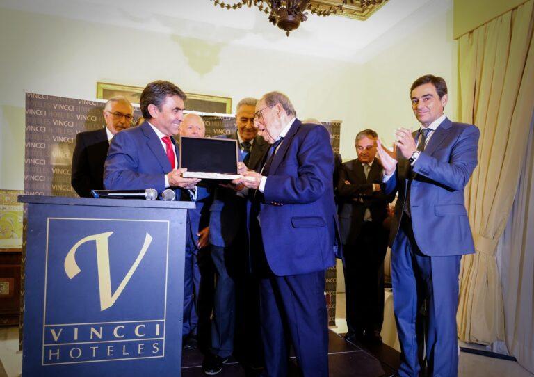 """Antonio Ferrera, ganador del XV Premio """"Al Detalle para el Recuerdo"""" de la Feria 2017"""