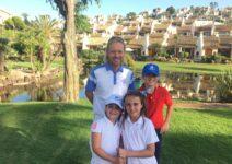 La Manga Club incorpora clases de golf en inglés para niños