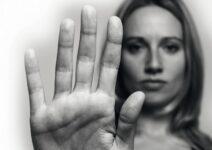 8 из 10 пар сталкивались с домашним насилием