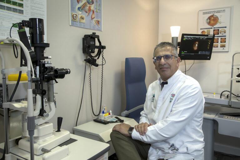 Рекомендую проверяться у офтальмолога раз в год