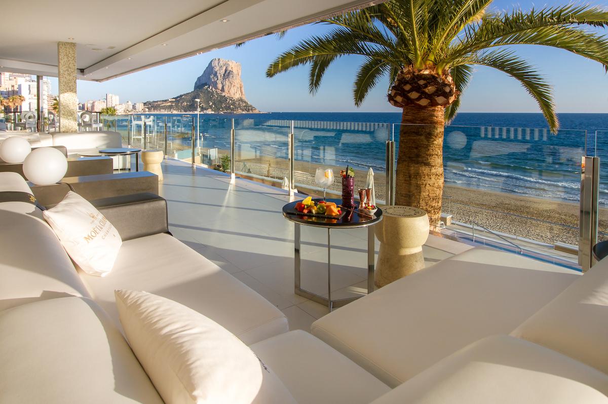 Отели Sol y Mar – номера с видом на закат