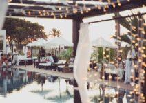 Puro inaugura su beach club en Dénia, Purobeach, ante más de 500 invitados